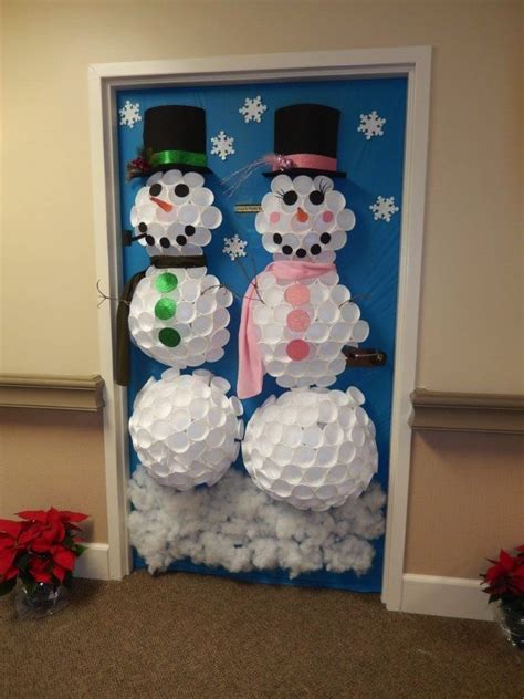 best christmas door decorating contest assisted living the inn at belden