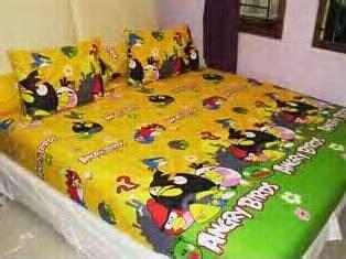 Sprei 16020020 Bird Kuning Katun Panca jual sprei gorden bedcover motif angry bird kuning pasarsemarang