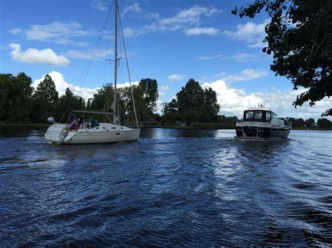 voorrangsregels voor boten bootverhuur kalf - Voorrang Roeiboot Zeilboot