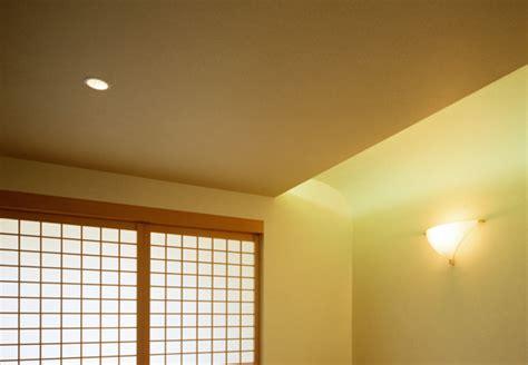 Kleiner Dunkler Raum by Farbberater Obi