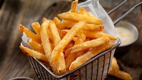 resep kentang goreng tepung renyah  gurih praktis