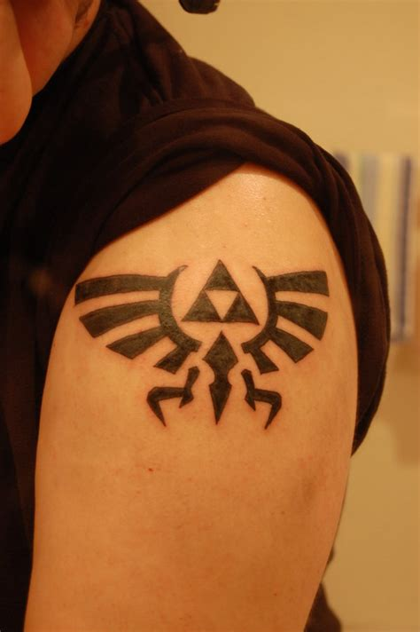hylian crest tattoo any thought on my current design zeldatattoos
