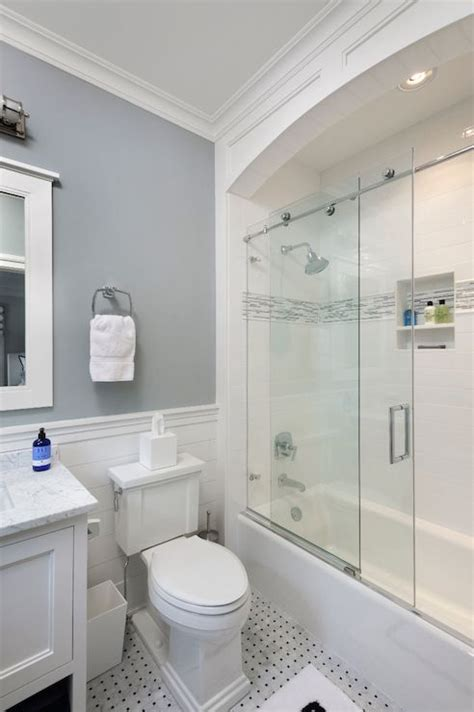 bathroom shower door ideas 25 best ideas about sliding shower doors on pinterest
