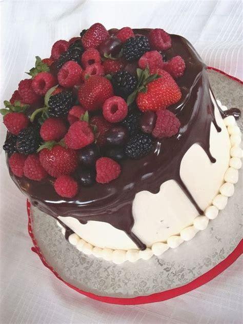 Best 25  Fruit cake decorating ideas on Pinterest
