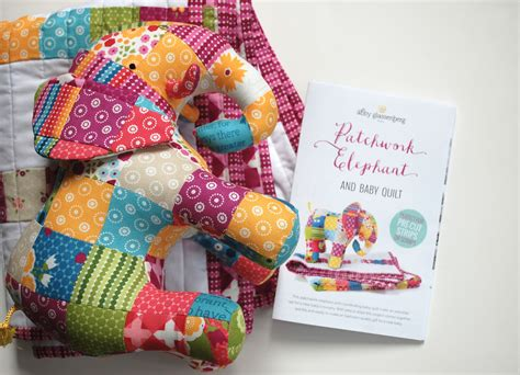 Patchwork Elephant - patchwork elephant and baby quilt print pattern