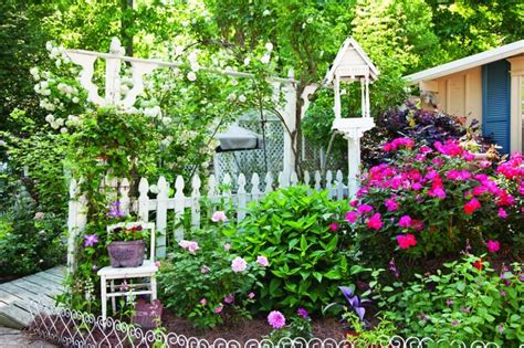 white cottage gardens charming white accents in a garden 2