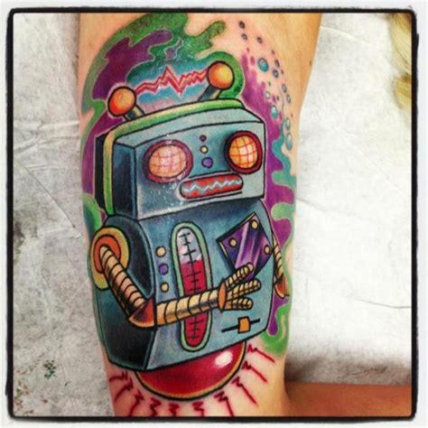 new school robot tattoo tatuaje brazo fantasy robot por tantrix body art