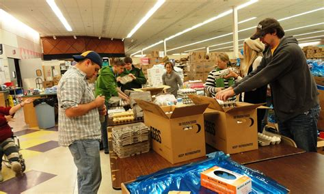 volunteer experience the oshkosh food pantry