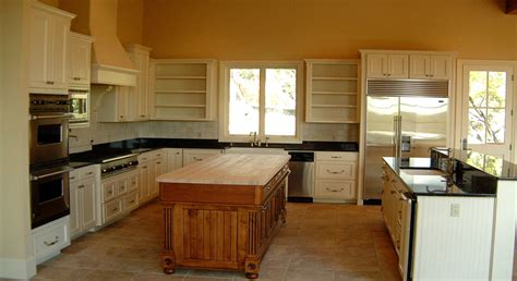 paint grade kitchen cabinets 1000 images about kitchen cabinets w paint and stain on