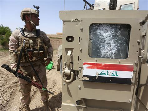 fierce clashes in iraq as isis takes control of villages after losses to isis iraqi army regains ground in ramadi