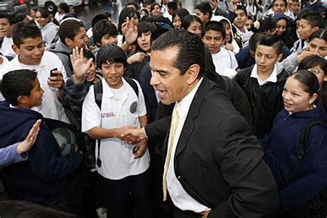 challenger school hollenbeck mayor antonio villaraigosa timelines los angeles times