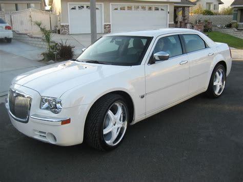 chrysler 300c tires chrysler 300c custom wheels 22x et tire size 265 35 r22