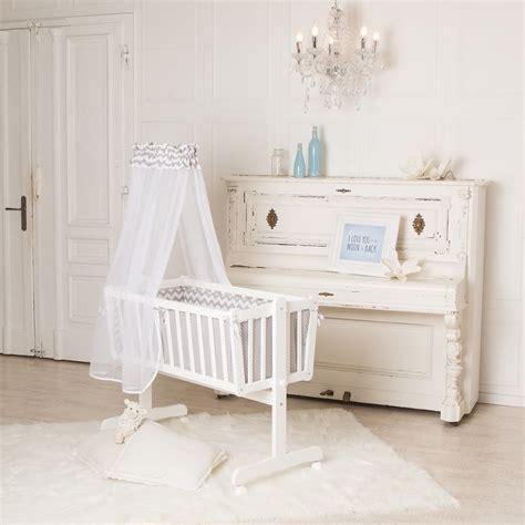 welche matratze fürs baby welche farbe passt zu braun