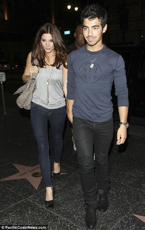 ashley greene dating 2018 ashley greene boyfriend 2018 dating is she married husband