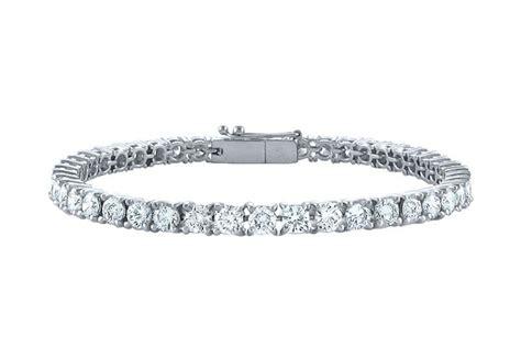 delightful tennis bracelet five carat diamonds