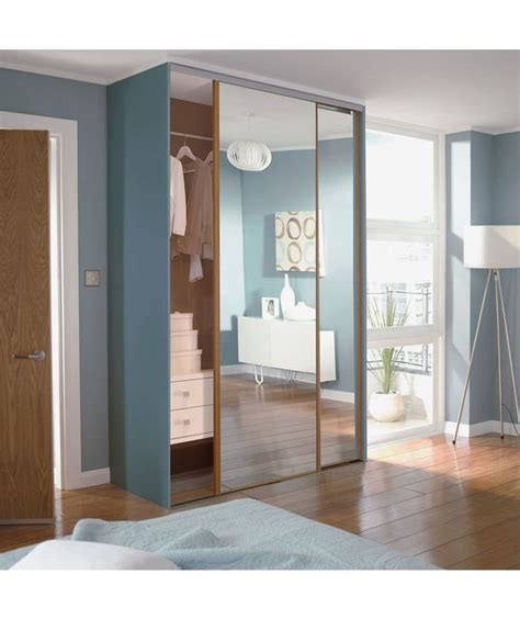 Best Sliding Wardrobes by 25 Best Ideas About Sliding Wardrobe Doors Uk On