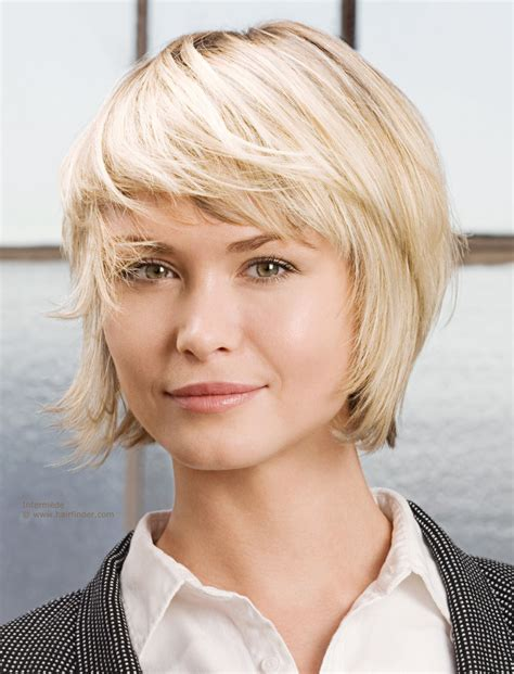 short hairstyle for blonde hair with a satin finish