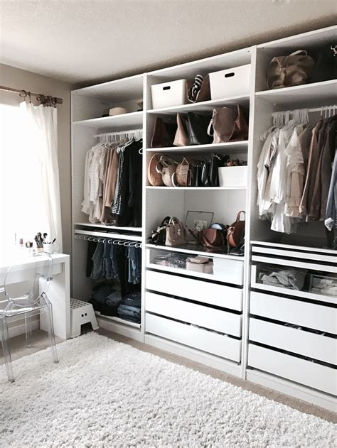 walk in closet design crystalin marie s walk in closet i love how organised
