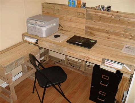 Pallet Computer Desk Pallet Computer Desks Pallet Wood Projects