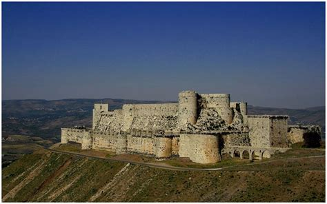 krak des chevaliers top 20 famous castles and palaces in the world most