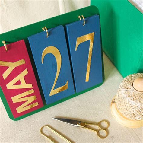 how to make perpetual calendar home dzine crafts and hobbies make a perpetual calendar