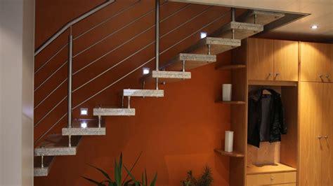 beleuchtung treppenstufe innentreppen aus granit beton marmor und naturstein