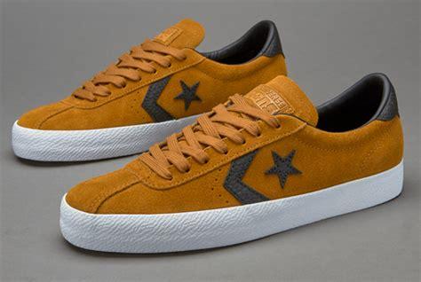 Sepatu Sneakers Casual Converse Cons Breakpoint Pro Original sepatu sneakers converse breakpoint premium suede ox black white