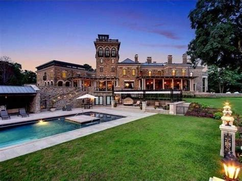 wow house  estate sits   gated acres