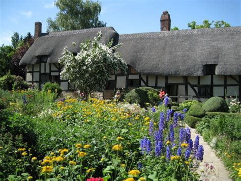 Cottage Show by Gardens Tour Incl Hton Court Flower Show Hever