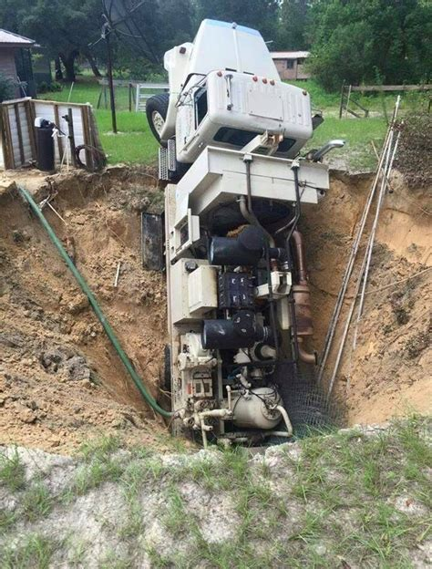 Citrus County Fl Search Sinkhole Swallows Truck In Citrus County Strange Sounds
