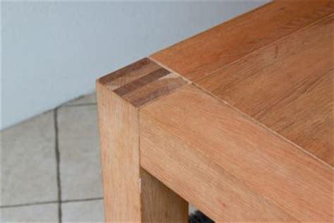houten tafelblad opknappen eikenhouten meubels opknappen verfen