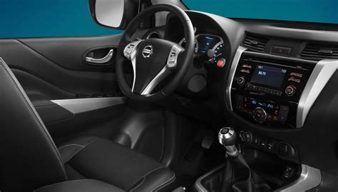 Nissan 2020 Interior by 2020 Nissan Frontier Specs Interior Price