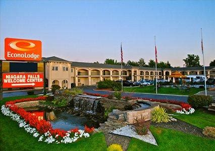 econo lodge at the falls in niagara falls ny