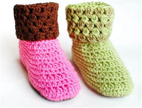 crochet pattern womens slippers crochet pattern ladies crochet booties slippers pattern