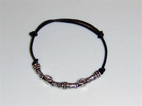 beaded leather bracelet with slip knots