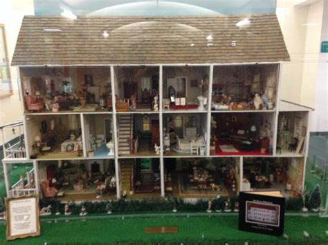 beautiful doll house huge and beautiful dollhouse inside the library picture of bird island park ponte
