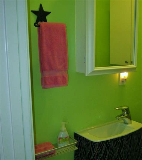 simple small bathroom makeovers my 5 simple for a small bathroom makeover lynda makara