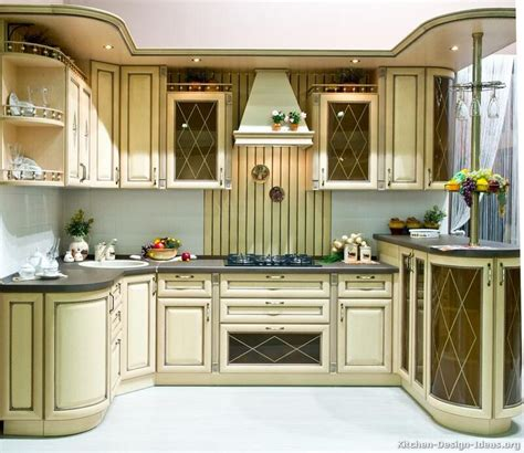 vintage white kitchen cabinets 73 best antique white kitchens images on pinterest