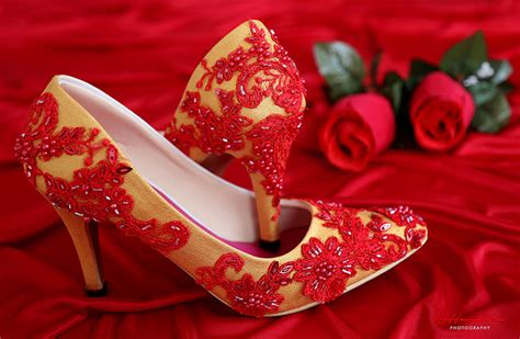 Sepatu Flat Shoes Gold Studded Merah sepatu pointed wedding brukat merah gold
