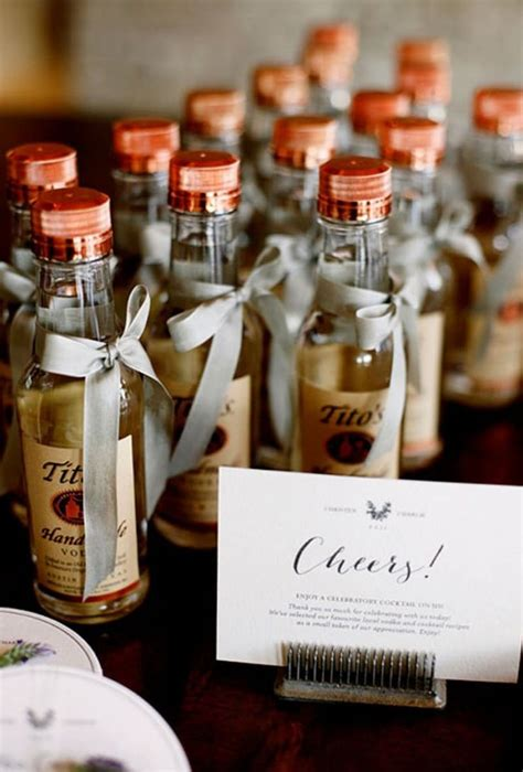 Wedding Reception Giveaways - best 25 wedding reception party favors ideas on pinterest inexpensive party favors