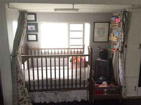 Rv Baby Crib 25 Best Ideas About Rv Redo On Trailer Remodel Travel Trailer Remodel And Cer