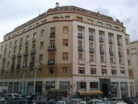 in vendita napoli appartamento in vendita napoli via toledo cambiocasa it
