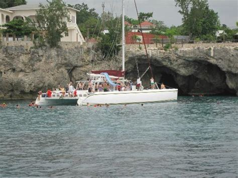 catamaran booze cruise negril jamaica breakfast coconuts picture of couples negril negril