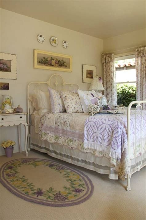 purple vintage bedroom 25 best ideas about lavender bedrooms on pinterest