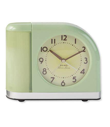 moonbeam alarm clock  usb port