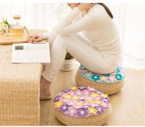 cojines con rosas a crochet patrones diagramas almohadones crochet con flores