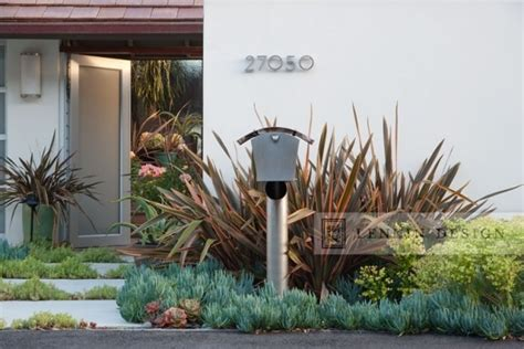 beach house landscape design modern beach house entry contemporary landscape los angeles by lenkin design
