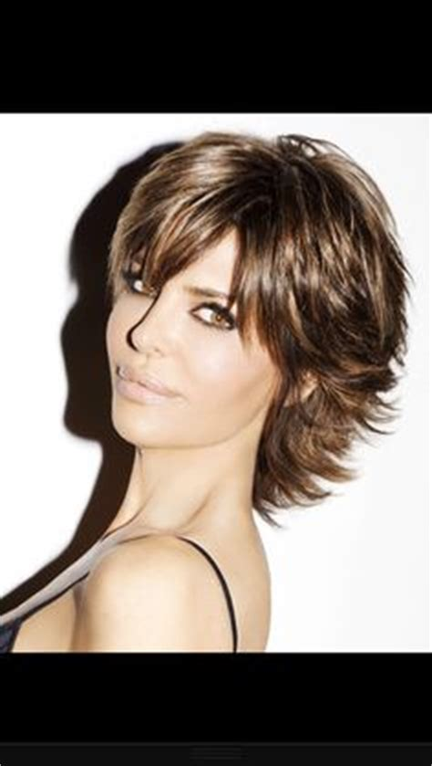 what is the texture of rinnas hair lisa rinna hairstyles lisa rinna haircut pictures