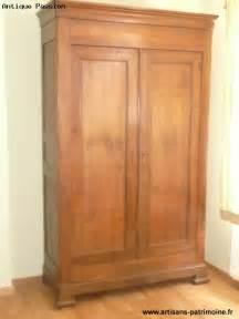 armoire louis philippe en ch 226 taignier artisans du patrimoine