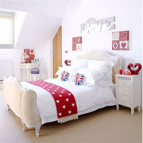 accessories for bedroom ideas choose red accessories country bedroom ideas